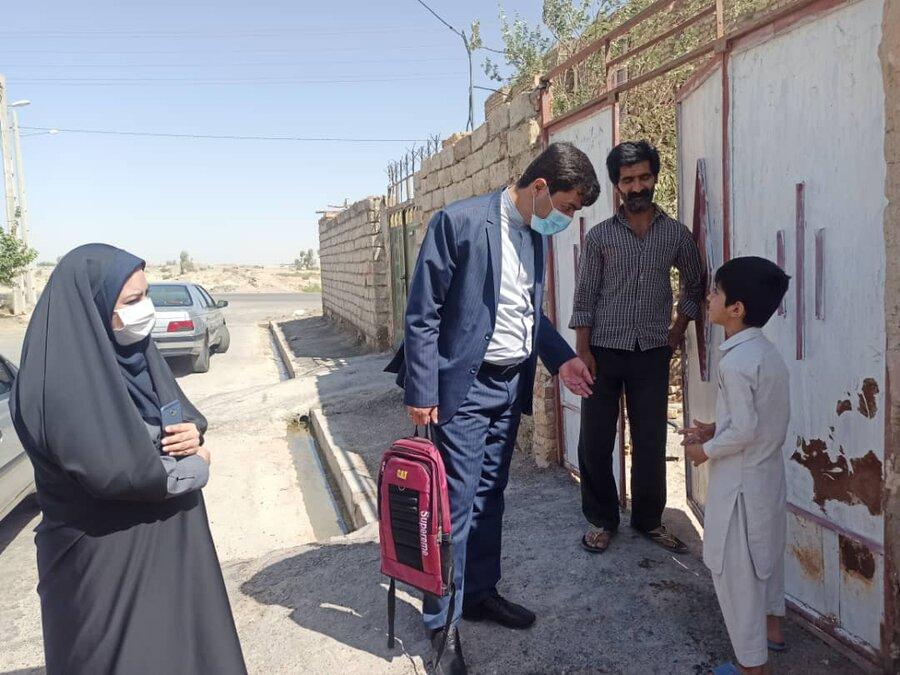توزیع بسته های لوازم التحریر اهدایی خیرین به دانش آموزان شهرستان زهک