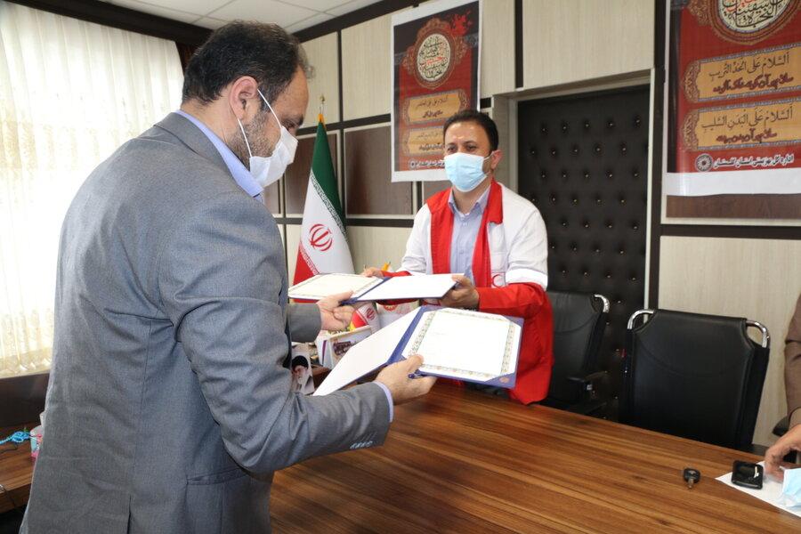 آموزش کمکهای اولیه و برپایی مانورهای امدادی ویژه پرسنل و جامعه هدف بهزیستی گلستان