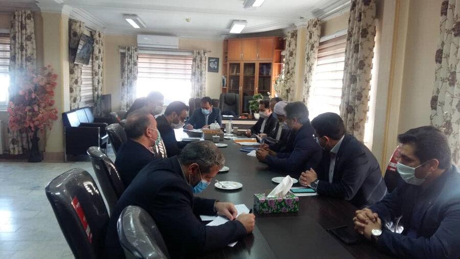 نشست مدیرکل بهزیستی گیلان در خصوص بررسی وضعیت پروژه مسکن مهر در فرمانداری ماسال