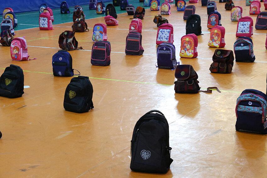 توزیع بیش از ۴۲۰۰ بسته آموزشی بین دانش آموزان تحت پوشش بهزیستی گیلان