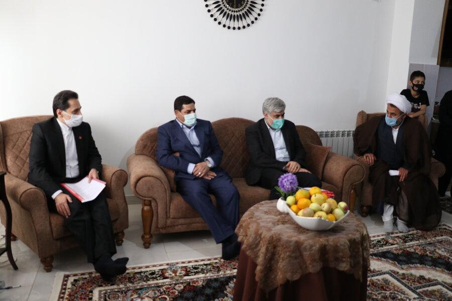 بازدید رئیس ستاد اجرایی فرمان حضرت امام (ره) از منازل تکمیل شده خانواده های دو معلول در مسکن مهر رشت