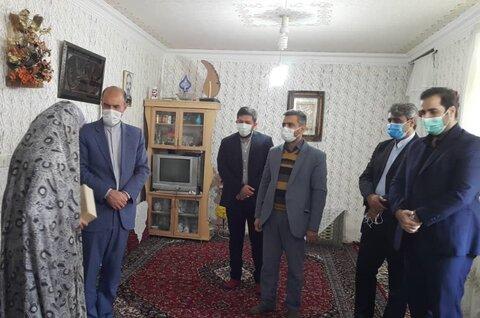 نیشابور | اهدای تعدادی تبلت و ۱۰۰ میلیون تومان کمک نقدی مجتمع فولاد خراسان رضوی به بهزیستی نیشابور