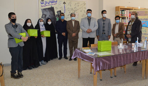 فیروزه | یک معلول جسمی ذهنی در فیروزه، عضو فعال کتابخانه عمومی شهرستان فیروزه شناخته شد
